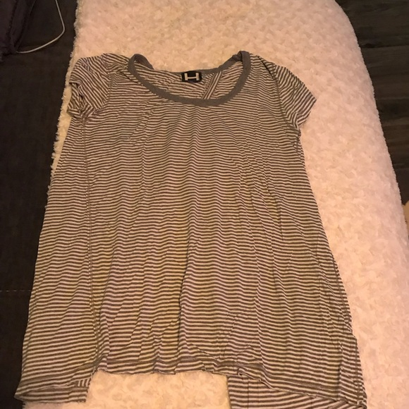 H by bordeaux Tops - Open back Tee, Size S, never worn.